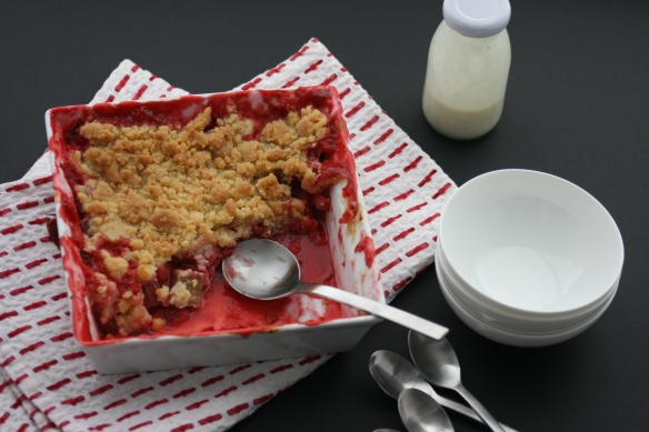 Strawberry-rhubarb crumble with rosewater