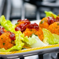 Lettuce cups with red pepper lentil balls