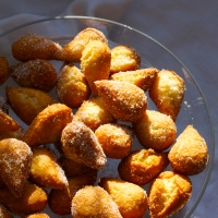 Mutzenmandeln - German almond dough nuts